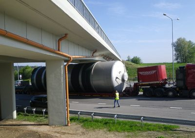 16_transport-and-escort-of-beer-tanks