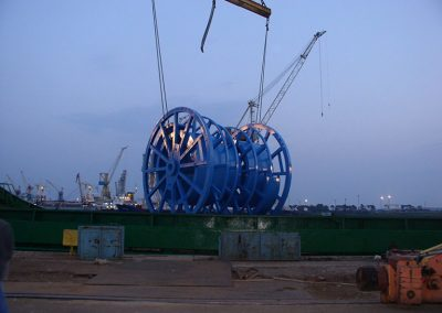 34_loading-reels-in-klaipeda
