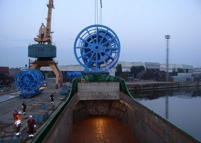 35_loading-reels-in-klaipeda