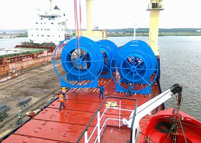 8_loading-reels-at-vlg